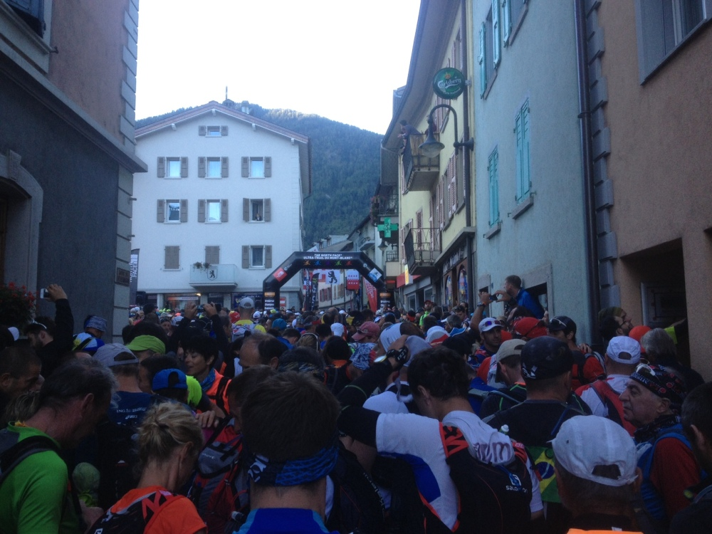The start in Orsieres, as the MC counts us down